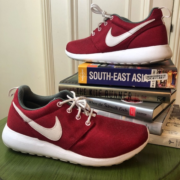 new concept 8bb68 f256f Nike Roshe One Red Sneakers